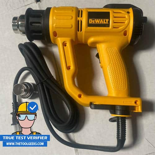 A photo of DEWALT D26960 before using it for paint removal.