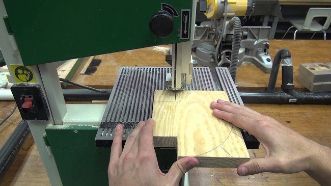 You may have heard about band saws a lot. But what are band saws? They are machines that are mostly used to cut wood objects, but not limited to only that.