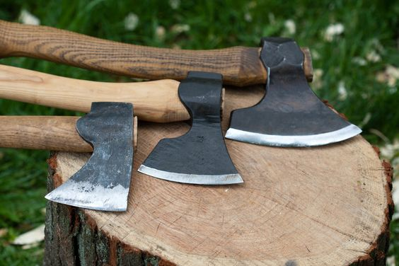 A carpenter's axe is the best axe you may get, at least for my opinion. That's why it is important to know what features to look before buying one. We have made a buyers guide that will tell you exactly what you need and why.