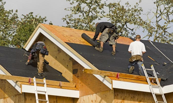 Why does a roofer need a tool belt? Well, it helps you organize and carry your tools around. That's why roofing tool belts are important to have. If you don't have one make sure to read our post and check the ones we recommended.