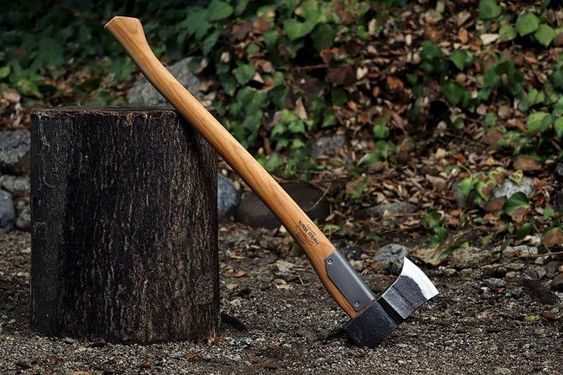 Learning different parts of the axe can be helpful, especially when you are buying one because you will know exactly what to look for.