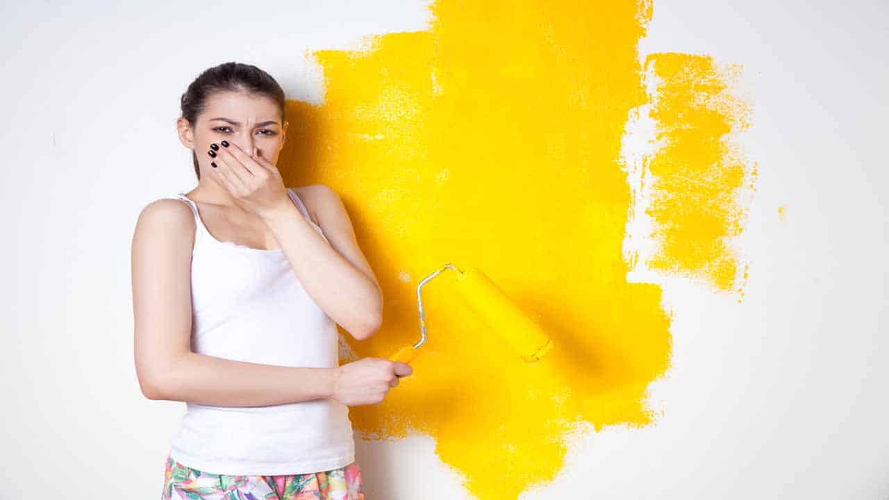 Once you paint something it can get messy. But, the most important thing that you need to know is how to get rid of paint smell. The smell can be very bad for you and other people, so knowing how to remove stain smell faster is important. The process is easy, you can use 7 different things that can help you remove paint scent.