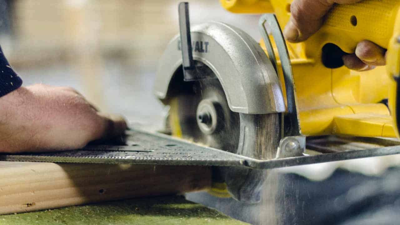 The circular saw can be used to cut a lot of materials. It's mostly used for wood cutting, but it can also be used to cut plastic.
