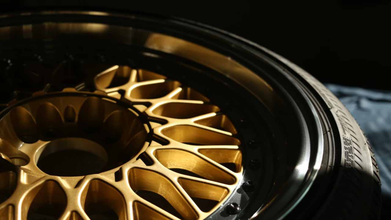 Yes, our estimate can be right or wrong because it depends on many factors. But, how to calculate the cost of painting rims? You have to know the price of paint, tools, and the size of your rims to know the exact amount you will be spending to spray your rims.