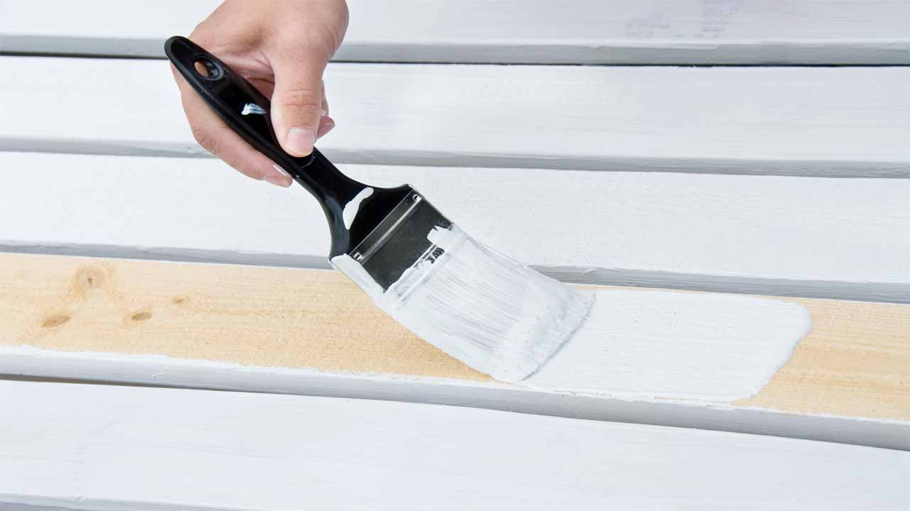While different primers have different drying, some factors can determine that. So, what are the factors that determine a primer's drying time? Well, the first one is the weather, if it's rainy then it will take longer, humidity, the room temperature, and the type of primer are the other reasons that can determine the drying time.