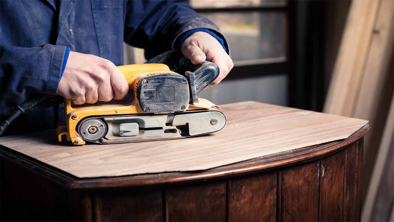 The belt sander is very powerful, it is mostly used for rough surfaces. Since it has a very large base, it can complete large projects faster than most of the sanders. If you have to deal with professional sanding projects then a belt sander should be your first choice.