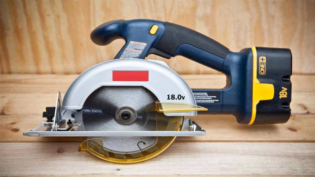 The circular saws are used to make straight and curved cuts. There are two types of circular saws, the corded and cordless versions. Although it's a popular tool, it's still hard to use it. Making straight cuts is hard, you need some experience to do it. But, they are powerful tools and can cut through almost everything.
