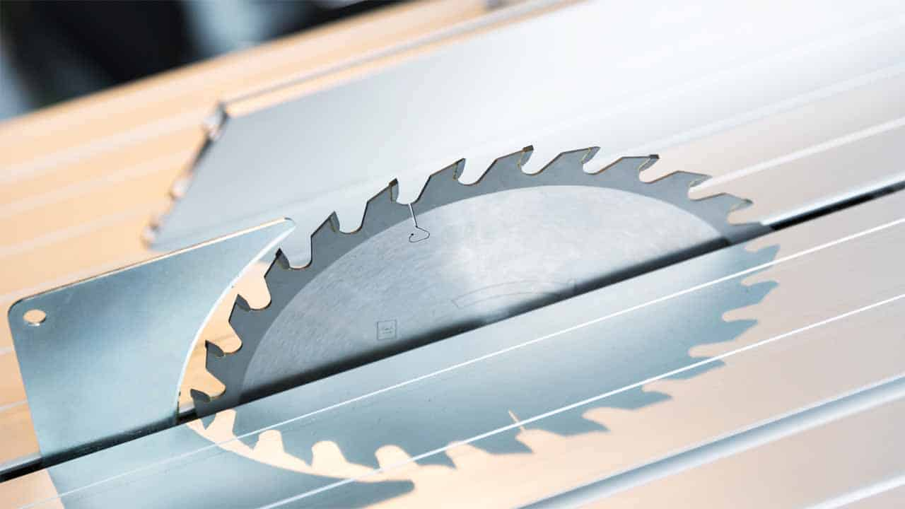 Finding a list of the best circular saw guides is easy, but knowing which features will help you and which won't is the hard problem. That's why our buyer's guide will list all the things you need to know before buying a circular saw guide.