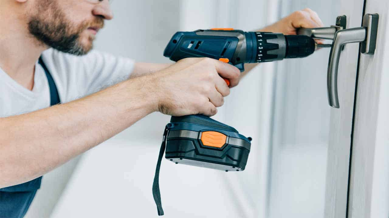 The 20v and 18v cordless drills might not have the same power, it all depends on the brand. So, it's the brand that makes the difference, not the voltage.